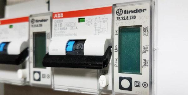 Eichung-Edelboxx-Stromverteilerschrank