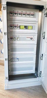 stromverteilerschraenke-zum-fernauslesen-und-fernschalten-ueber-steuerboxen-03